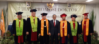 Predikat 'Sangat Memuaskan' Pada Sidang Doktor Jastiro Abi